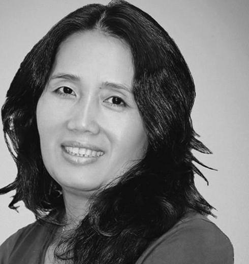 Bà Sen Hoa, chủ biên tạp chí ELLE Việt Nam