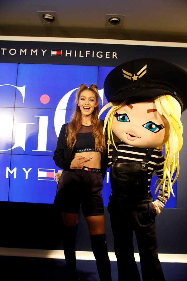Gigi Hadid ra mắt BST TOMMYXGIGI tại Tokyo 09