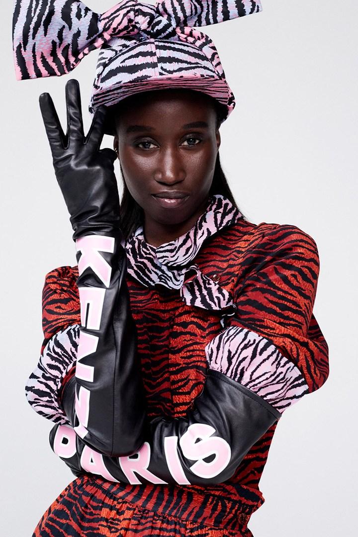 Chiếc mũ và đôi găng tay được nhiều người yêu thích sau khi trọng BST Kenzo x H&M lên sóng