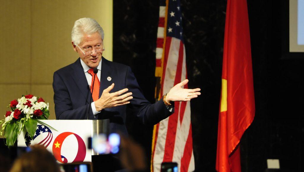 Tài hùng biện của vợ chồng Tổng thống Mỹ 09