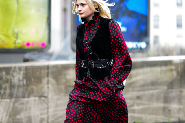 belted-vest-western-belt-printed-dress-winter-to-spring-transtional-dressing-black-and-red-pfw-street-style-elle-640x426