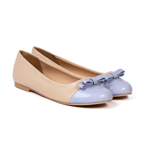 Giày búp bê cổ điển là đôi giày công sở được mọi cô gái yêu thích