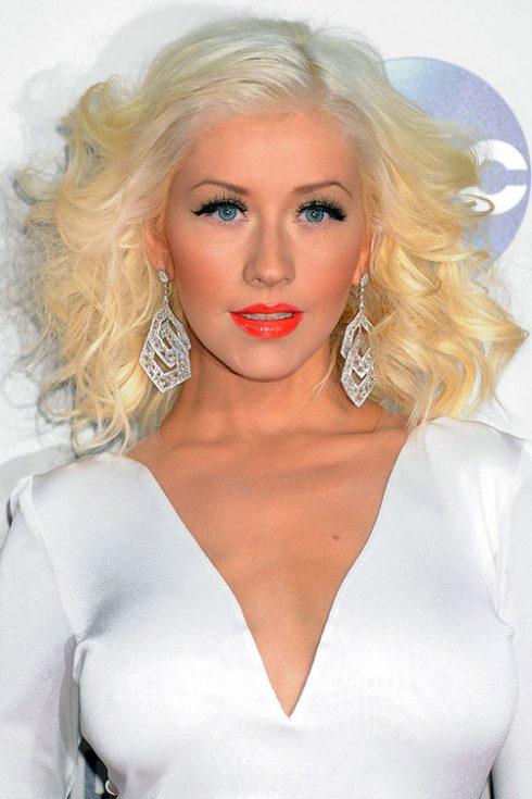 Tóc giả nữ - trào lưu làm đẹp mới của các quý cô - Christina Aguilera