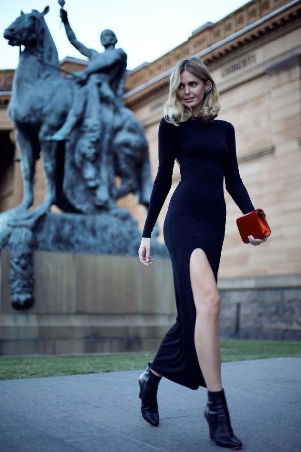 classy-chic-outfit-with-long-black-dress