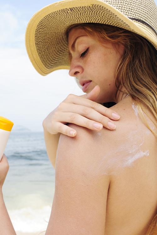 Gợi ý 10 loại kem chống nắng tốt cho da nhờn