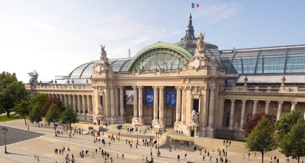 Grand Palais nổi tiếng nằm trên đại lộ Champs-Élysées, Paris