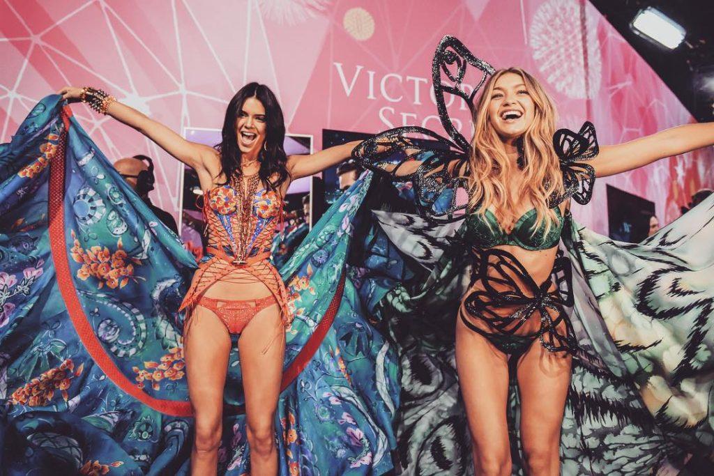 Gigi Hadid và cô bạn thân Kendall Jenner cũng sẽ tiếp tục tham dự Victoria's Secret Fashion Show năm nay.