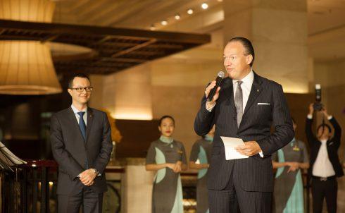 Ông Bernold Schroeder, Giám đốc Điều hành, Tập đoàn PPHG phát biểu tại buổi lễ khai trương Pan Pacific.