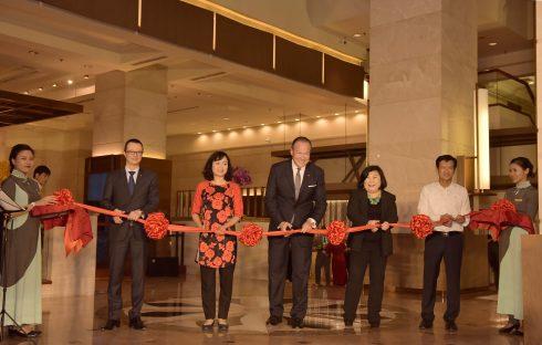 Khách sạn Pan Pacific đầu tiên tại Việt Nam được khai trương, tọa lạc tại vị trí đắc địa – số 1 đường Thanh Niên.