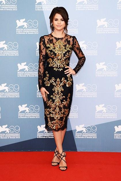 9/2012 Selena xuất hiện tại buổi chiếu phim SpringBreakers do cô thủ vai chính tại Venice Film Festival.