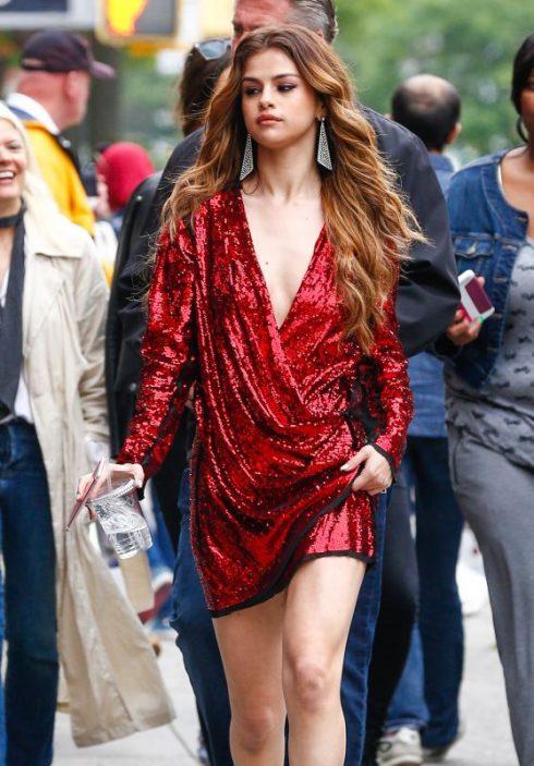 6/2016 Selena trong thời gian thực hiện tour diễn Rivival của cô đã khiến nhiều người ngỡ ngàng bởi gout thời trang được nâng lên một tầm cao mới của sự tinh tế, thanh lịch và quyến rũ.