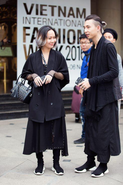 2-vo-chong-phong-cach-dark-wear