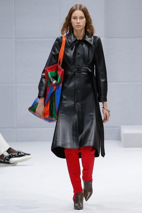 áo khoác nữ bằng chất liệu da