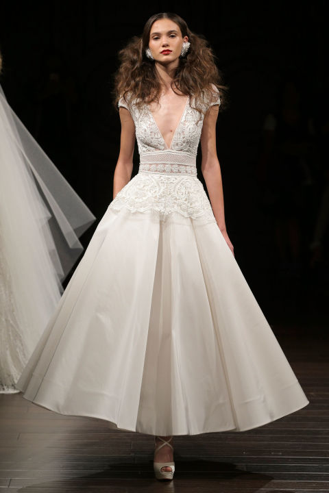 ballerian-length Váy cưới ngắn elle vn