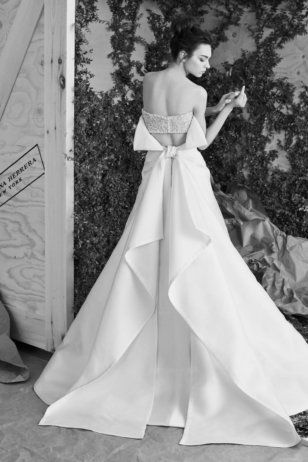 váy cưới đẹp đính nơ của Carolina Herrera