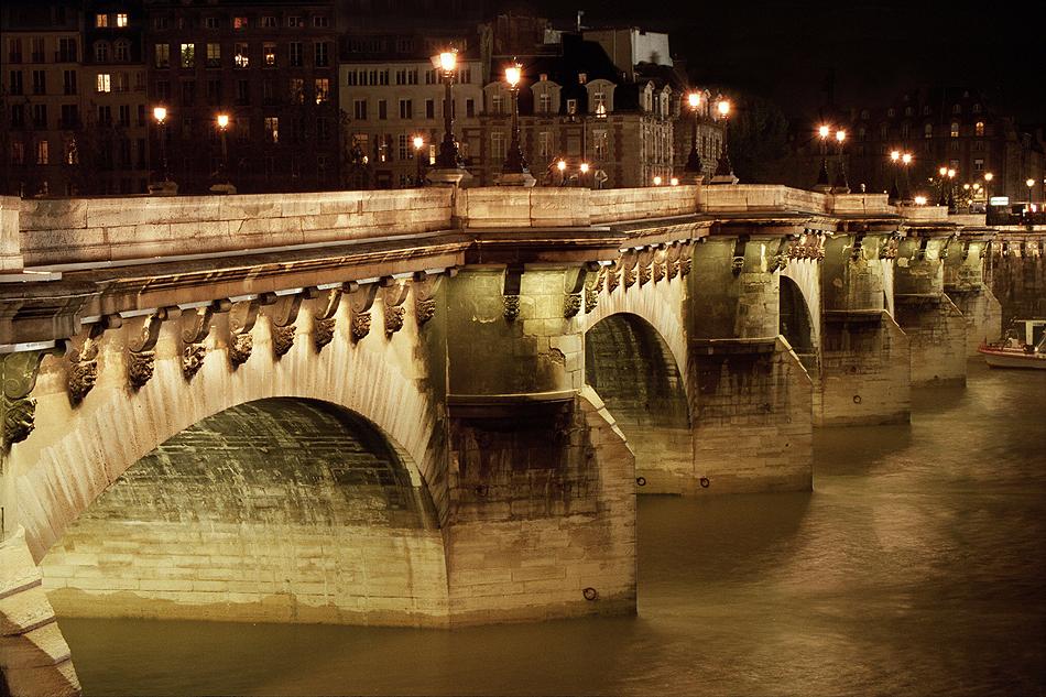 Những cây cầu ở Paris - 09