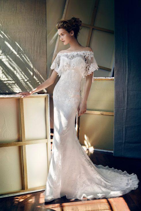 váy cưới đẹp trễ vai của Lusan Mandongus