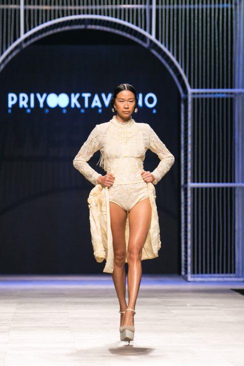 <br/>BST Thu-Đông 2016 của NTK Priyo Oktaviano