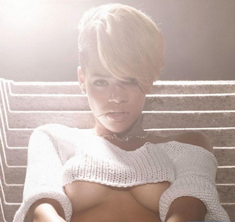 Rihanna mặc áo theo xu hướng thời trang underboob