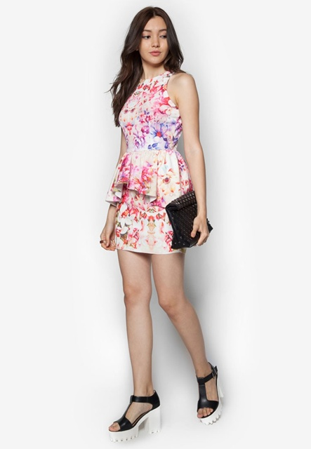Đầm in hoa dáng peplum
