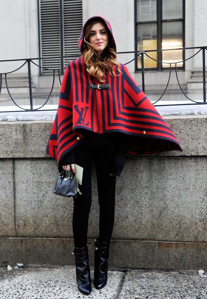 Một mẹo nhỏ là hãy phối giày cùng màu với legging, như vậy sẽ tăng cảm giác dài chân.