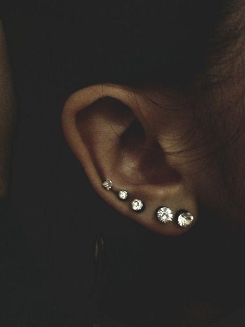 Xỏ lỗ dây chuyền - 10 vị trí bấm lỗ tai đẹp