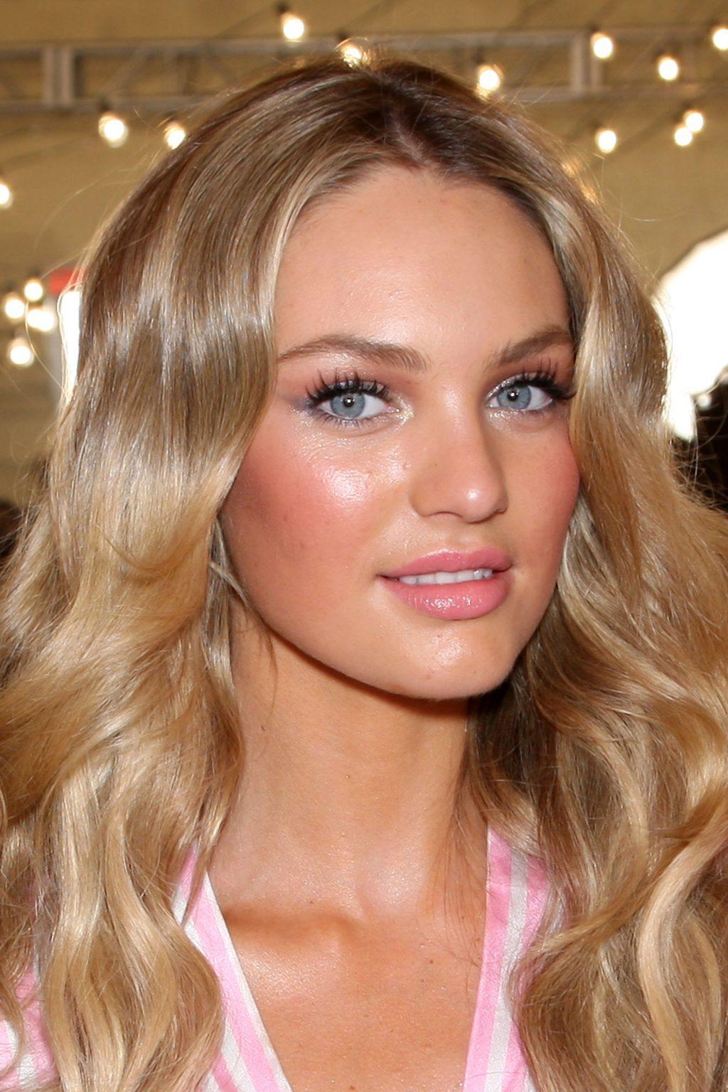 5 mẹo trang điểm toả sáng như thiên thần Victoria's Secret
