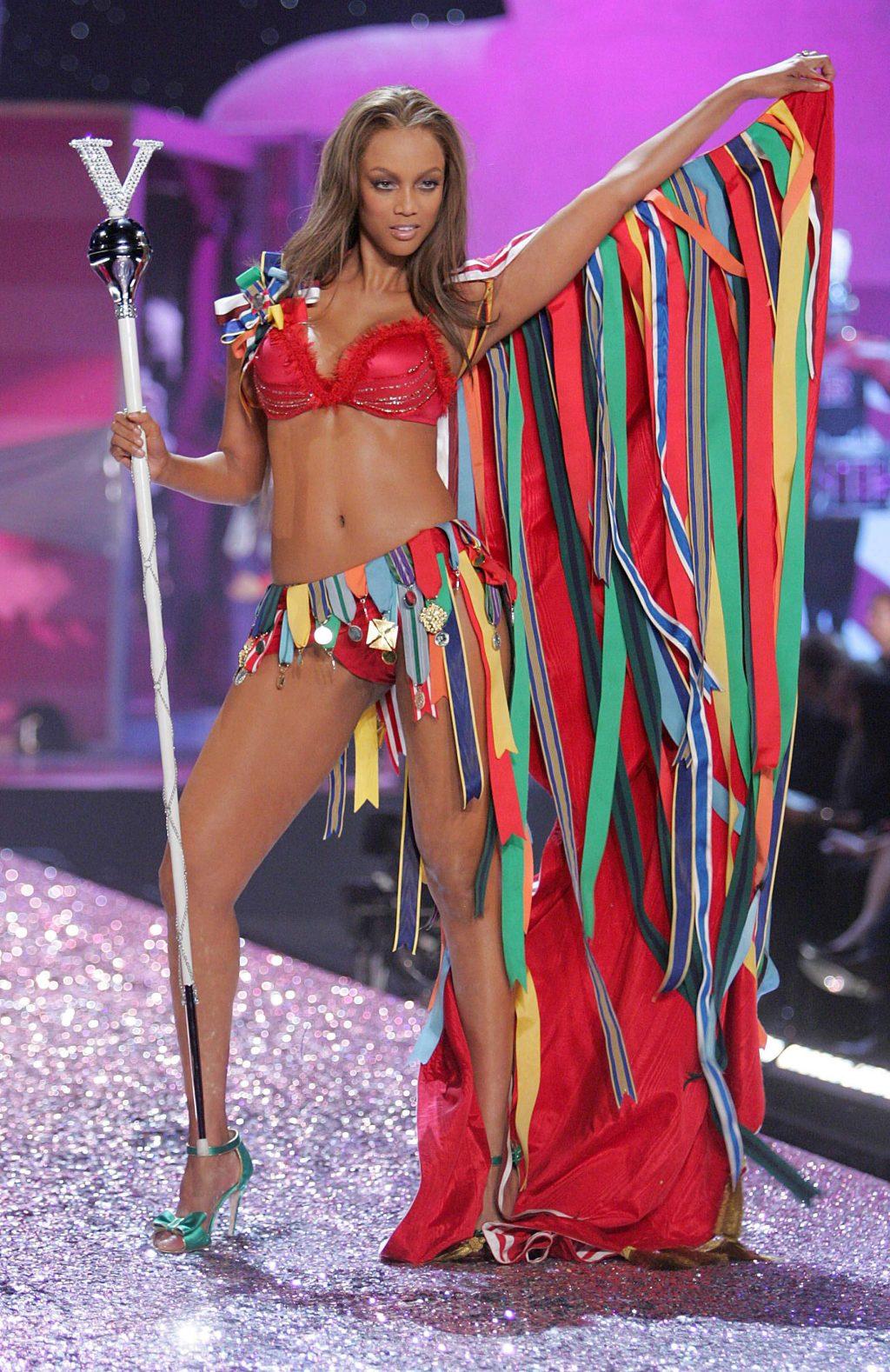 Tyra Banks thiên thần Victoria's Secret ELLE VN