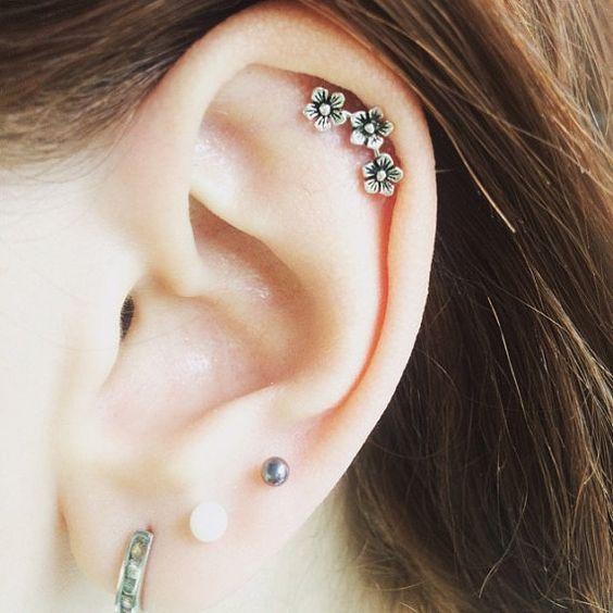 Xỏ lỗ Helix - 10 kiểu xỏ lỗ tai được yêu thích - elle vn
