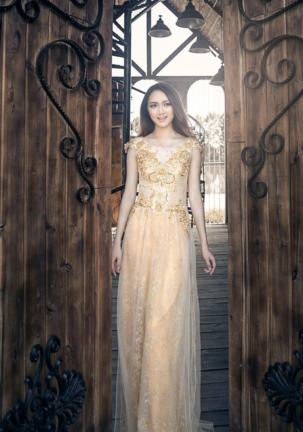 Mẫu áo dài cưới đẹp - áo dài tay lửng - elle vn