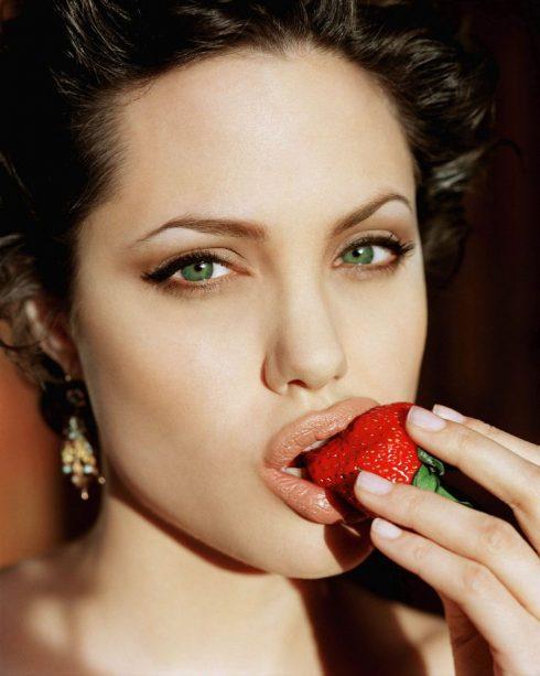 bổ sung dinh dưỡng là cách trị thâm quầng mắt