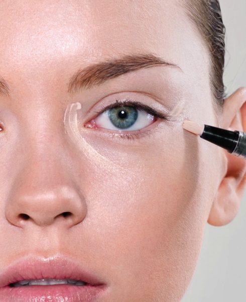 trị thâm quầng mắt bằng kem che khuyết điểm