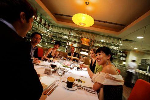 Tiệc đêm Giáng sinh hấp dẫn với nhiều ưu đãi tại nhà hàng Milan.