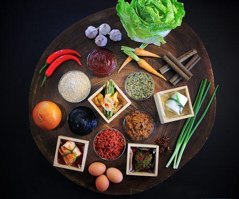 Những gia vị đặc trưng được nhập khẩu trực tiếp từ Hàn Quốc sẽ mang tới cho bạn những món ăn nguyên bản nhất của xứ sở này.