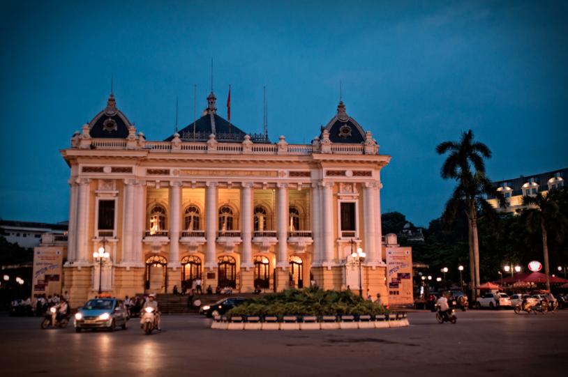 Nhà hát lớn Hà Nội - ELLE VN