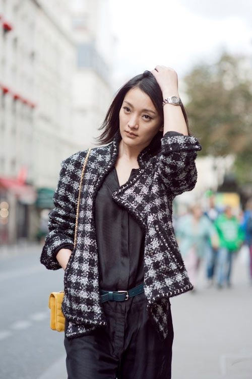 Vải tweed, chất liệu kinh điển trong mùa Thu-Đông: Châu Tấn