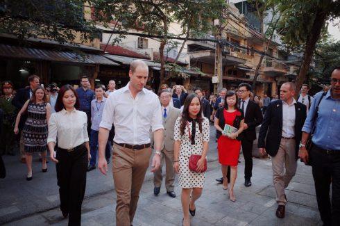 Hoàng tử William trong chuyến sang thăm Việt Nam