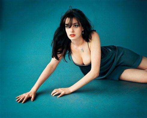 anne-hathaway-poze-sexy-5
