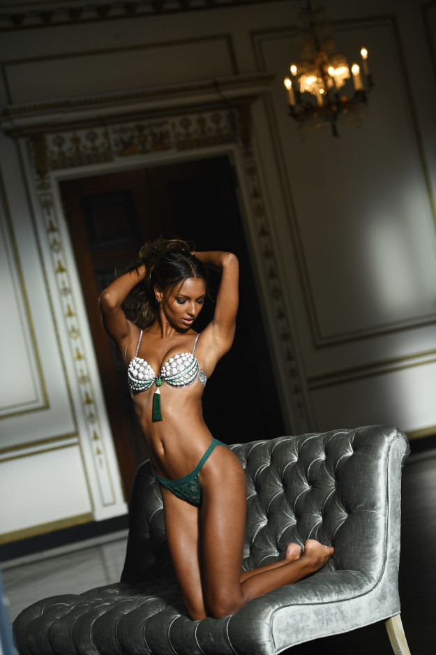 Thiên thần Victoria's Secret Jasmine Tookes.