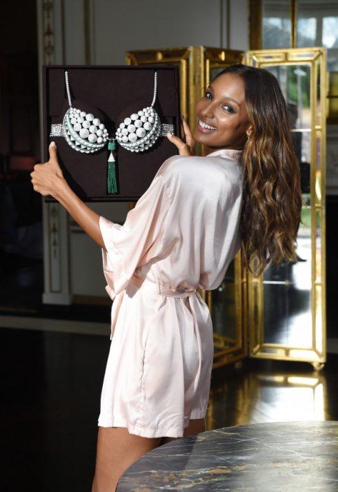 Thiên thần Victoria's Secret Jasmine Tookes và chiếc áo Fantasy Bra.