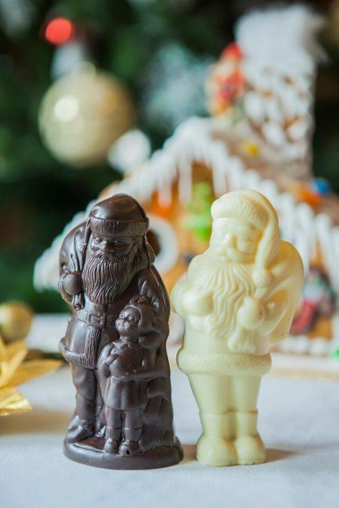 Những ông già Noel được làm từ sô cô la thượng hạng.
