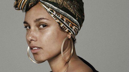 Gìn giữ vẻ đẹp mộc mạc cùng Alicia Keys - ELLE VN