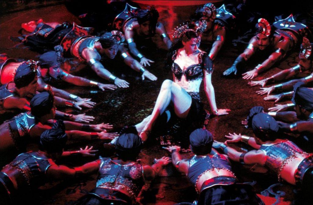 Thời trang trong phim: Cối Xay Gió Đỏ (Moulin Rouge)