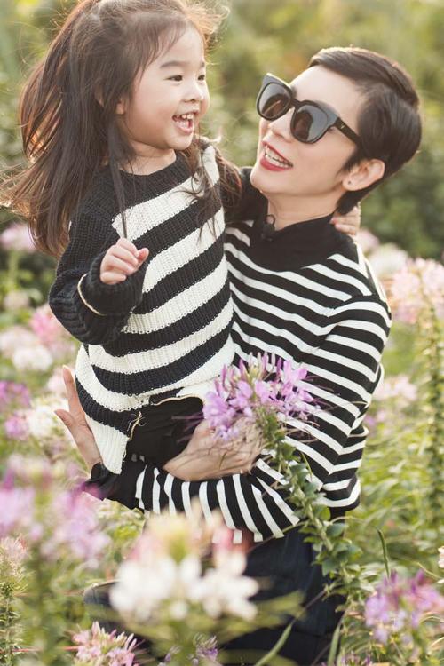 Với bé Thỏ, Xuân Lan hạnh phúc khi làm mẹ đơn thân