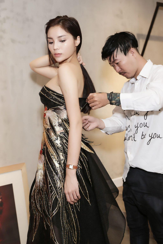 Kỳ Duyên xinh đẹp lái xe hơi riêng đi thử trang phục cho Tuần lễ Nhà thiết kế thời trang Việt Nam Thu - Đông 2016 - 06