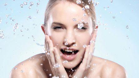 Cách chăm sóc da mặt mùa Đông cho da mụn, nhạy cảm và hỗn hợp