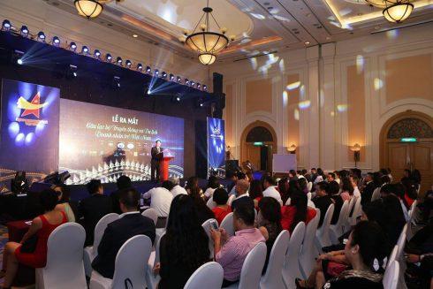 Ông Bùi Văn Quân - Chủ tịch Hội doanh nhân trẻ Việt Nam chào mừng sự ra mắt của CLB.
