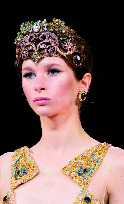 4 kiểu kẹp tóc cơ bản không thể thiếu dành cho phái đẹp | ELLE