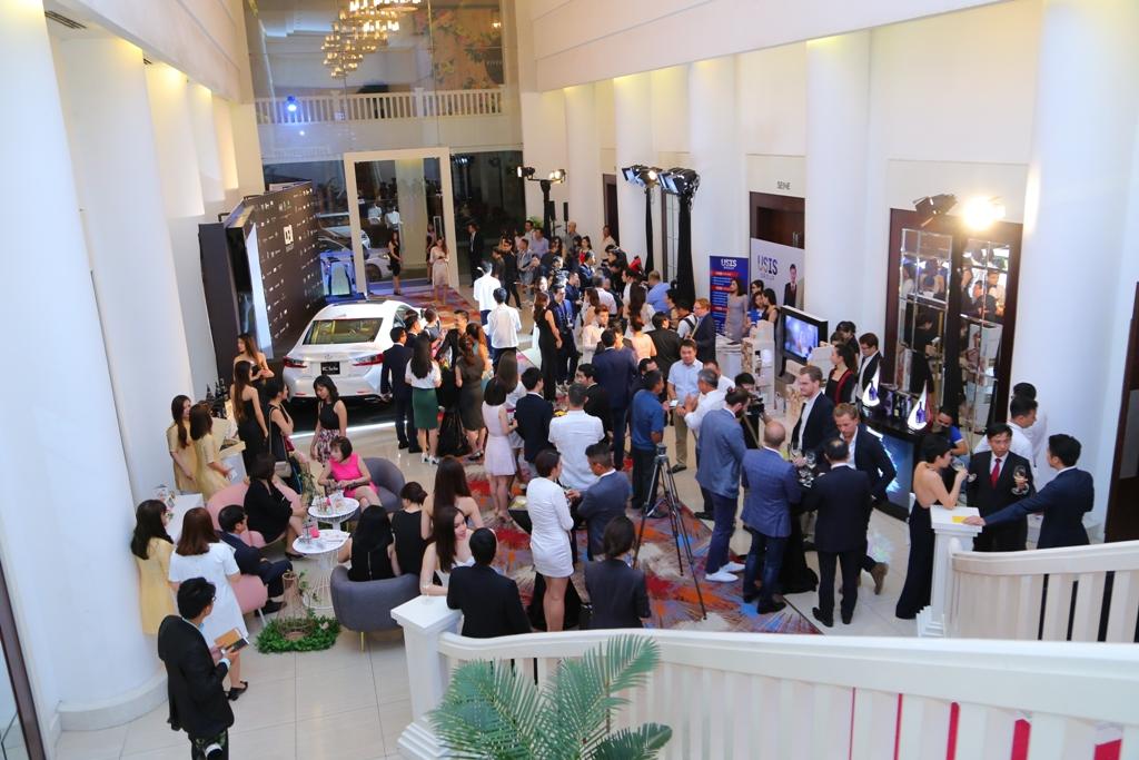 Lexus đồng hành cùng dạ tiệc CEO Night lần thứ 10 - 03