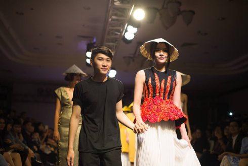 BST có sự góp mặt của các người mẫu nổi tiếng, gồm: Tiêu Ngọc Linh – Á Quân Vietnam Nexttop Model; Đinh Hà Thu – Top 10 Vietnam Nexttop Model – Vedett; Phạm Thủy Tiên – Hoa Hậu Nhân Ái của cuộc thi Hoa Hậu Việt Nam.